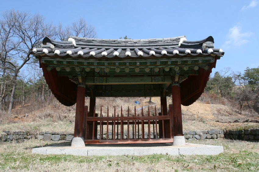 Tomb of General Kim Jong-seo 3